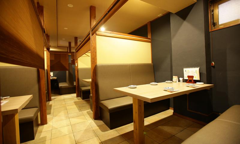長崎市住吉の居酒屋「酒菜処 花おか」のボックス席